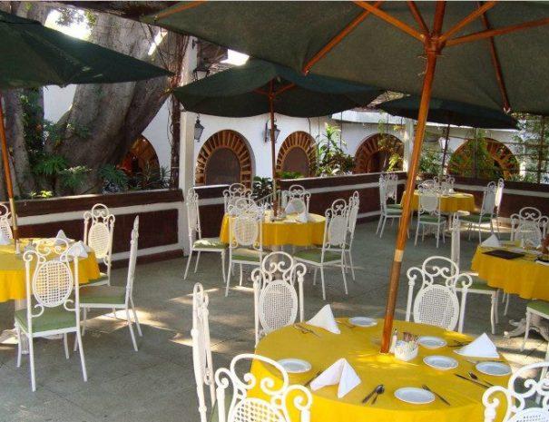 Hotel-Mision-De-Los-Angeles-Oaxaca-Mexico-Garden-5