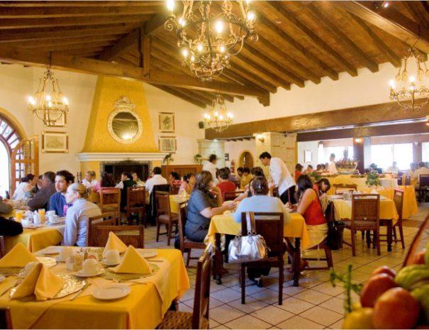 Hotel-Mision-De-Los-Angeles-Oaxaca-Mexico-Garden-6