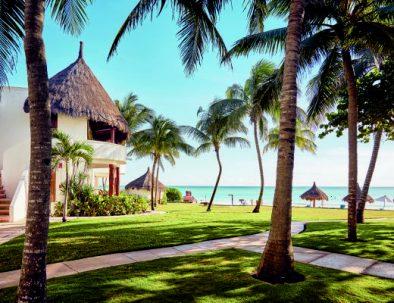 5-Beachfront-and-intimate-resort