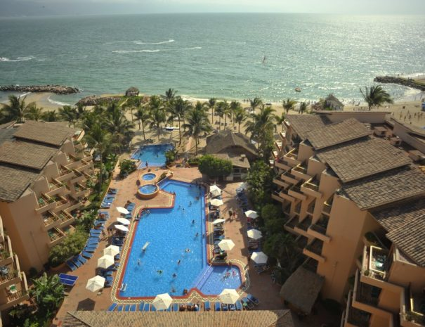 Friendly-Vallarta-Beach-Resort-Spa-1
