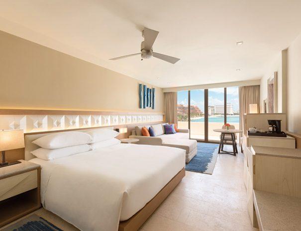 Hyatt-Ziva-Cancun-1049405-Ziva-Dolphin-View-Master-Pyramid