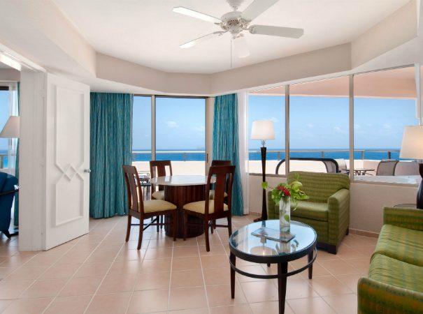 Iberostar-Cancun-Junior-Suite-Living-Room