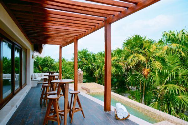 Mukan-Lobby-Pool-Deck-1