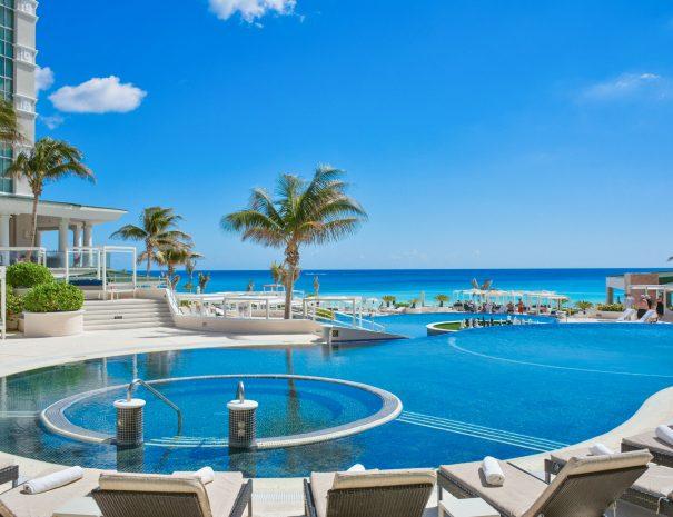 Sandos_Cancun_Main_Image