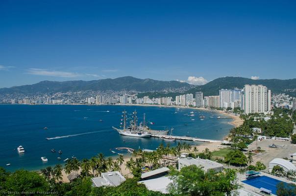 acapulco-bay-guerrero-mexico