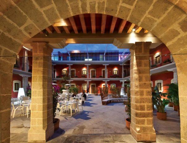 boutique-hotel-de-cortes-patio