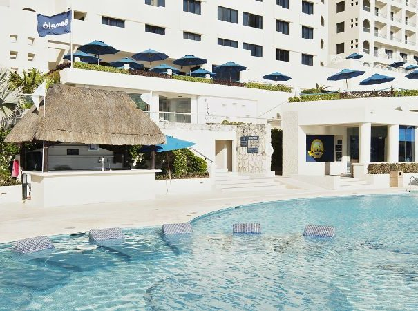 cancun-barcelo-hotels-swimming-pool-525-8519