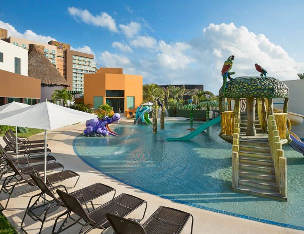 hard-rock-hotel-cancun-kids-club-pool