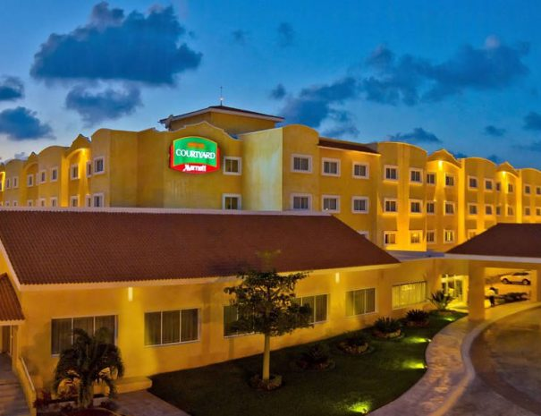 Courtyard-by-Marriott-Cancun-5