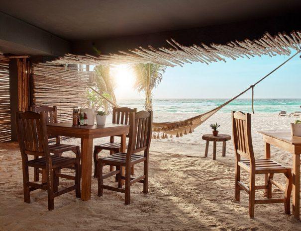 cunmx-beach-9799-hor-clsc