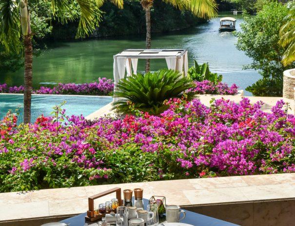 CasadelLago_DiningRoom_Terrace_Day_Pool&LagoonView